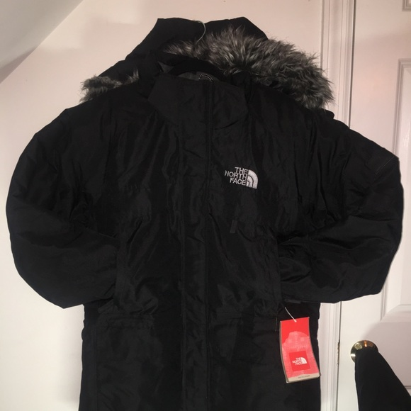 ac3082088 Blk McMurdo Parka North Face 550 with fur hood.